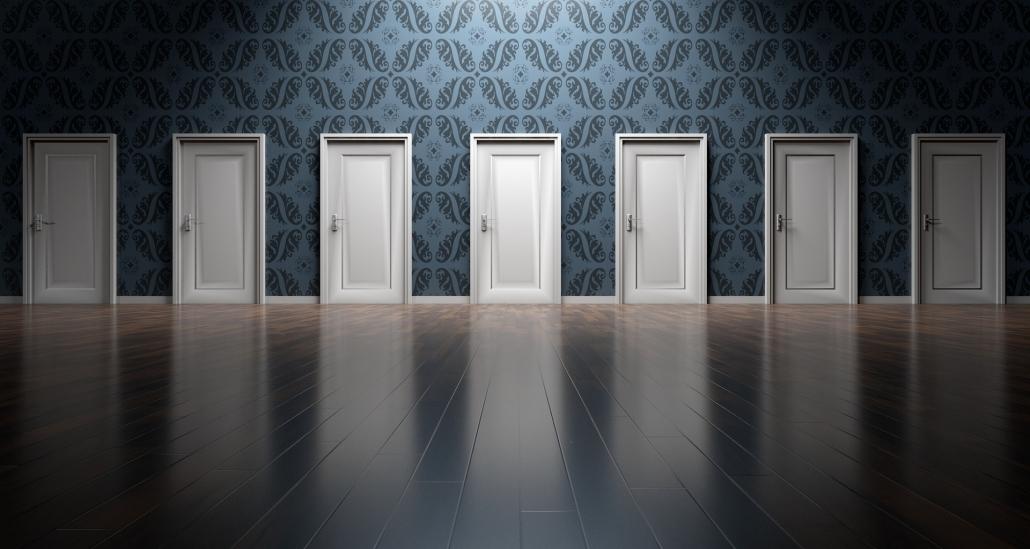 sieben Türen zur Auswahl: welche ist die richtige?