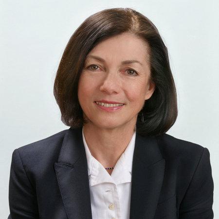 Dr. Regina Gatterer - Senior Partnerin